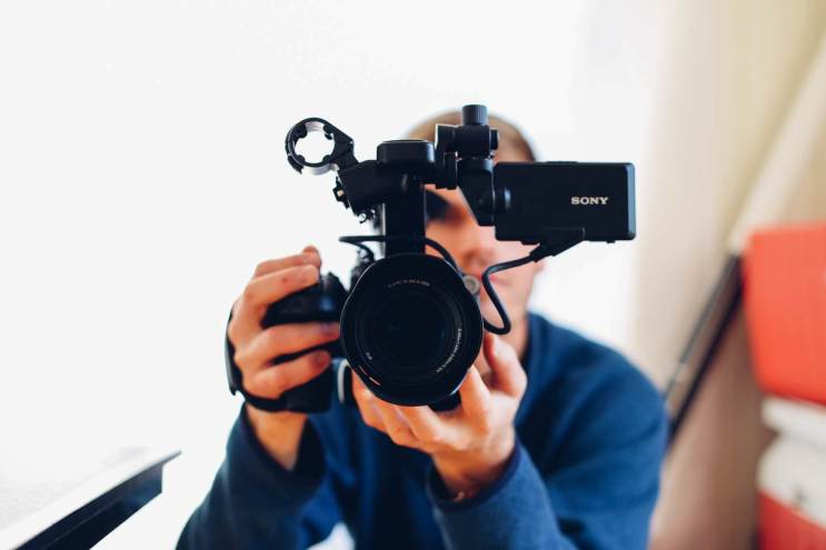 Why you should use videos to learn a language